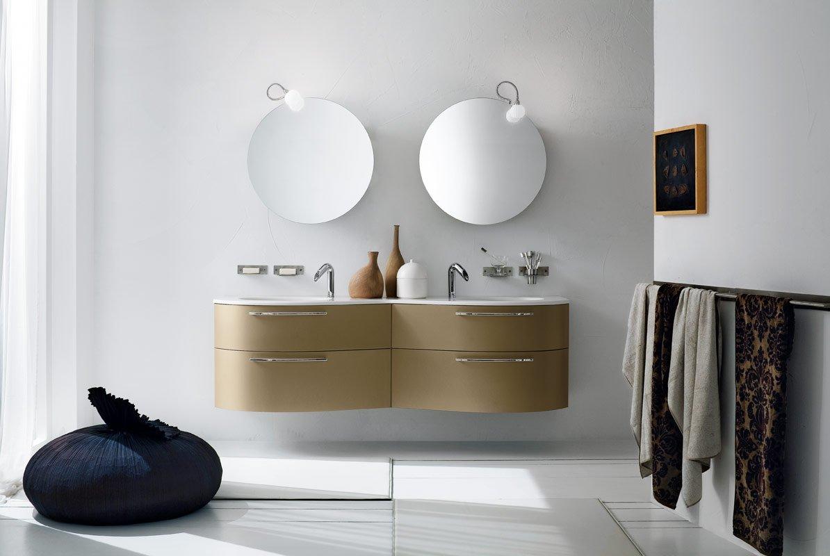 fancy-bathroom-seating