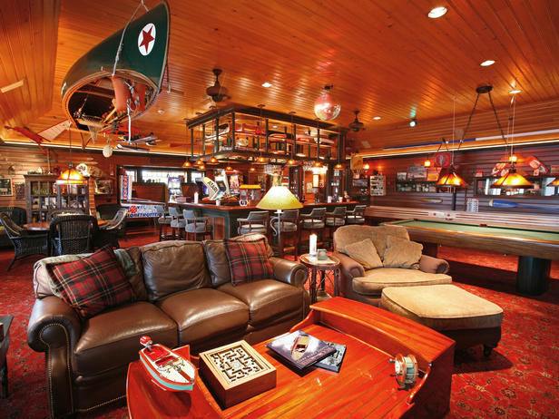 HMDRS-ss2_boathouse-chartroom_s4x3_lg