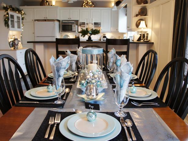 Gorgeous Christmas Table Settings