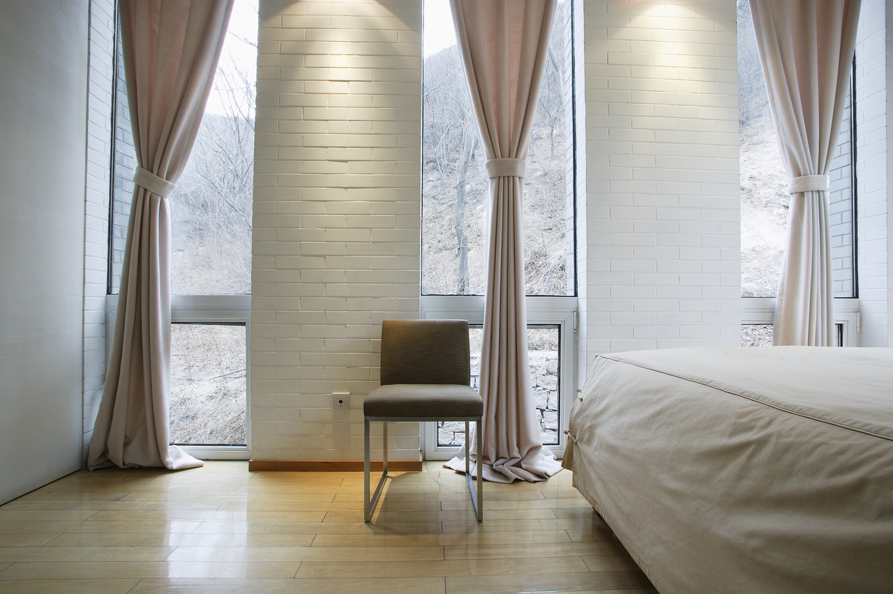 Modern Bedroom in Light Tones