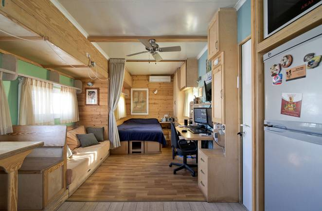 joseph-tayyar-truck-converted-house-2.jpeg.662x0_q70_crop-scale