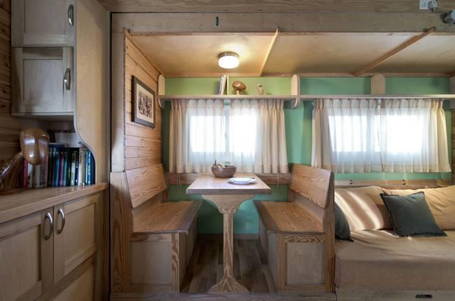joseph-tayyar-truck-converted-house-3.jpeg.650x0_q70_crop-smart