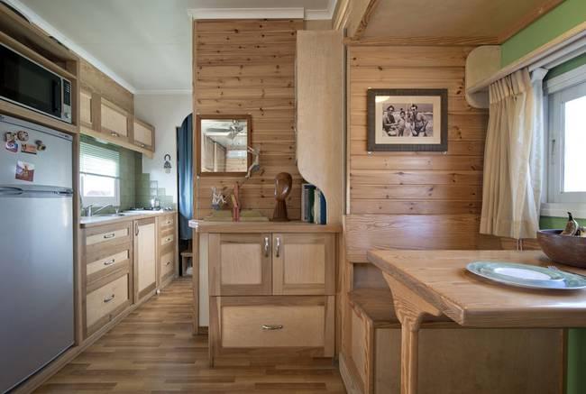 joseph-tayyar-truck-converted-house-4.jpeg.650x0_q70_crop-smart