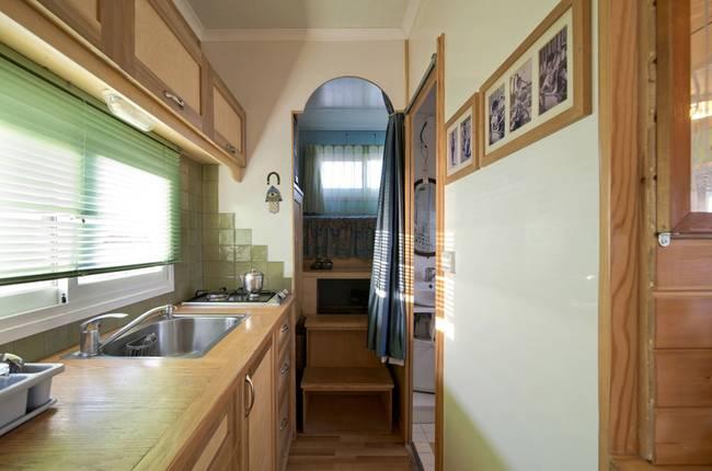 joseph-tayyar-truck-converted-house-5.jpeg.650x0_q70_crop-smart