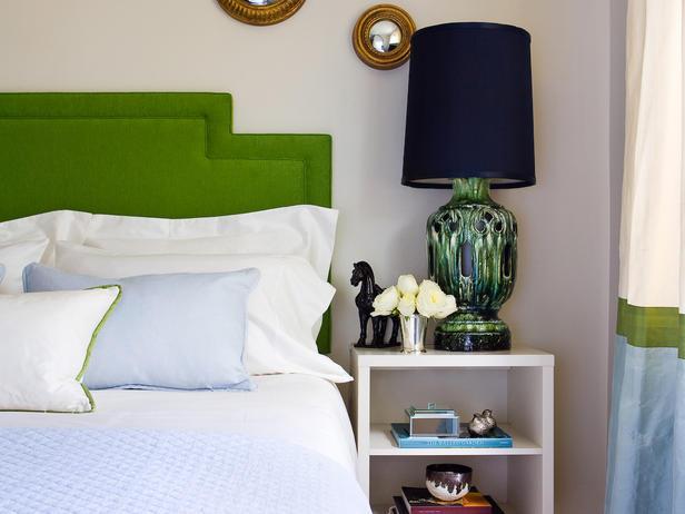 HPDSN1002_bedroom-nightstand-crop_s4x3_lg