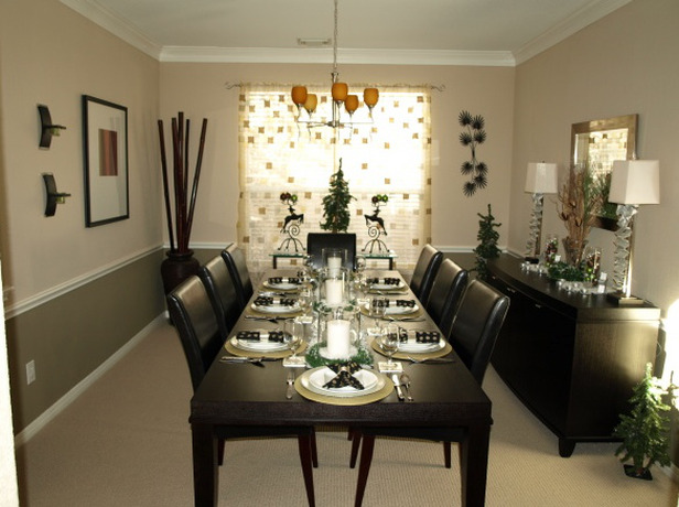 RMS-mlwzinger_black-white-dining-room-holidays_s4x3_lg