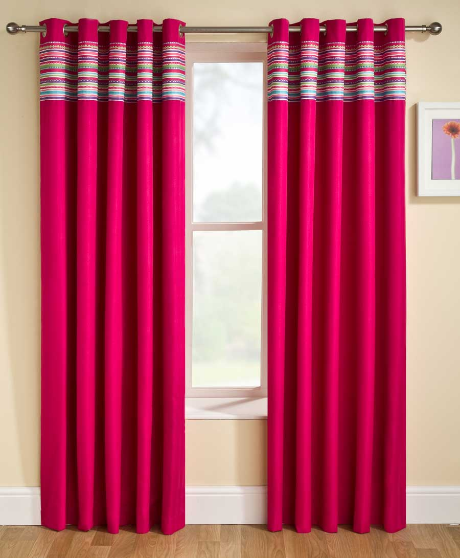 Exciting-Bedroom-Curtain-Ideas-In-Deep-Pink-So-Charming-To-See