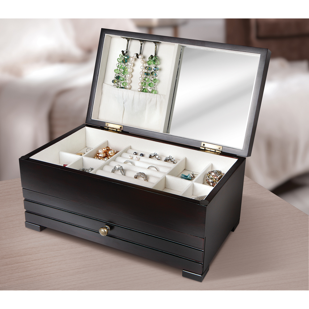 10 Beautiful jewelry Storage if you're a jewelry collector