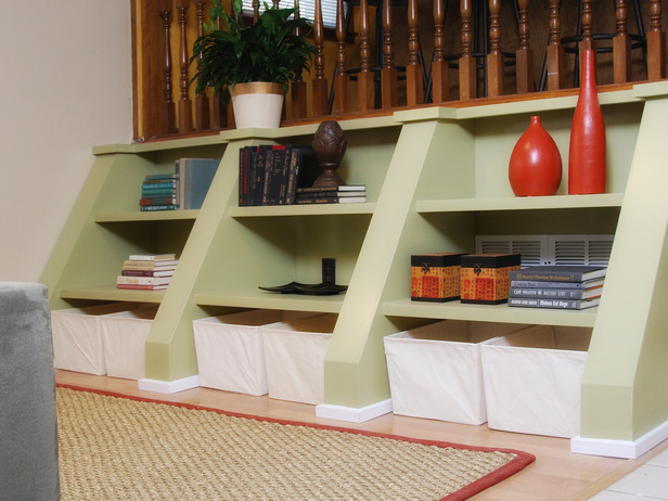 HDTS-2810_green-shelves-at-stairs_s4x3_lg